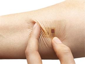 Biostamp, entillfällig tatuering med elektroniska kretsar. Pressbild från MC10.