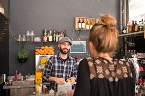 Knyt känslomässiga band till dina kunder för att kunna se och möta  deras kunders behov av att bli sedda.