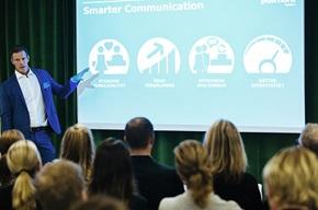 Säljchefen Henrik Kihlberg berättade hur PostNord Strålfors Sverige hjälper sina kunder med omnikanal och automatiserad kommunikation.